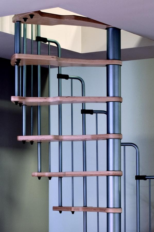 Točité schody METALLICA - průměr 130/70cm
